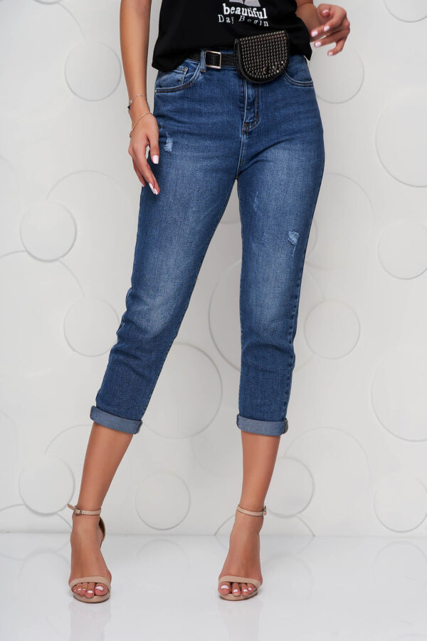 Blue Jeans Casual Accessorized With Belt High Waisted.