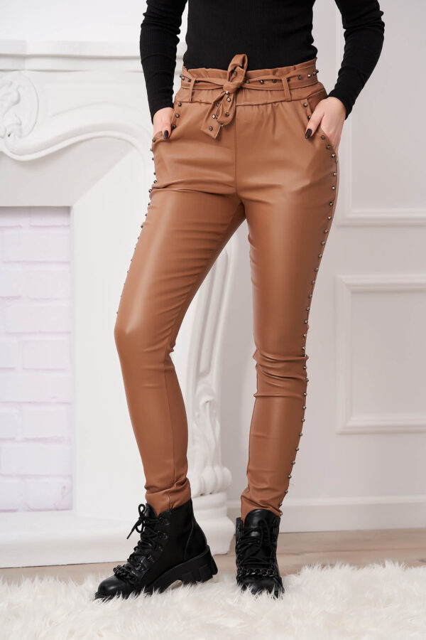 Cappuccino Trousers With Metallic Spikes From Ecological Leather High Waisted With Tented Cut.
