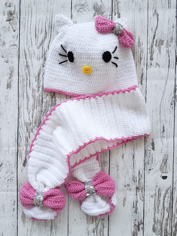 Hello Kitty Scarf