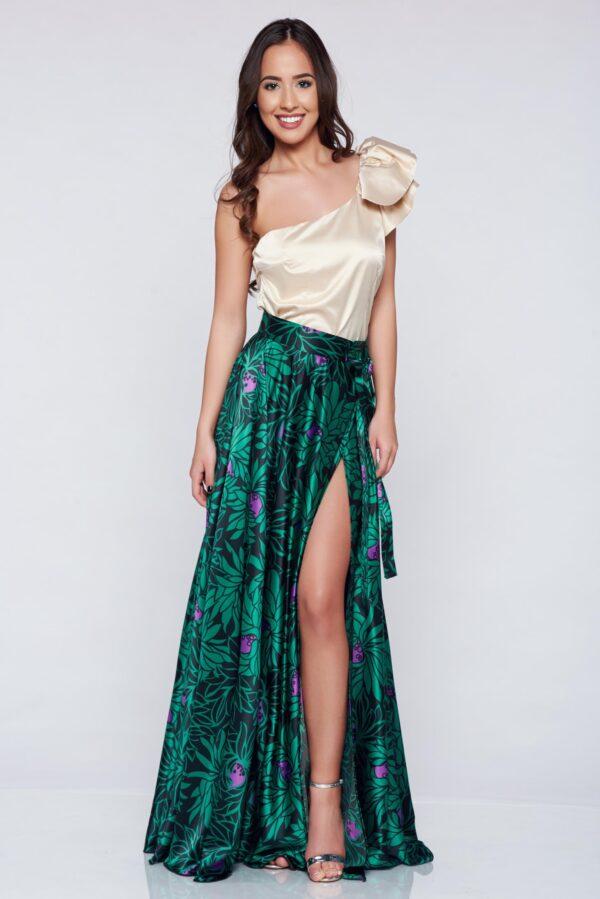 Green Elegant Long Skirt With Satin Fabric Texture